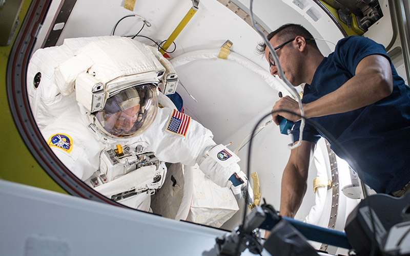 NASA astronauts Mark Vande Hei and Scott Tingle have complete the first spacewalk of 2018.