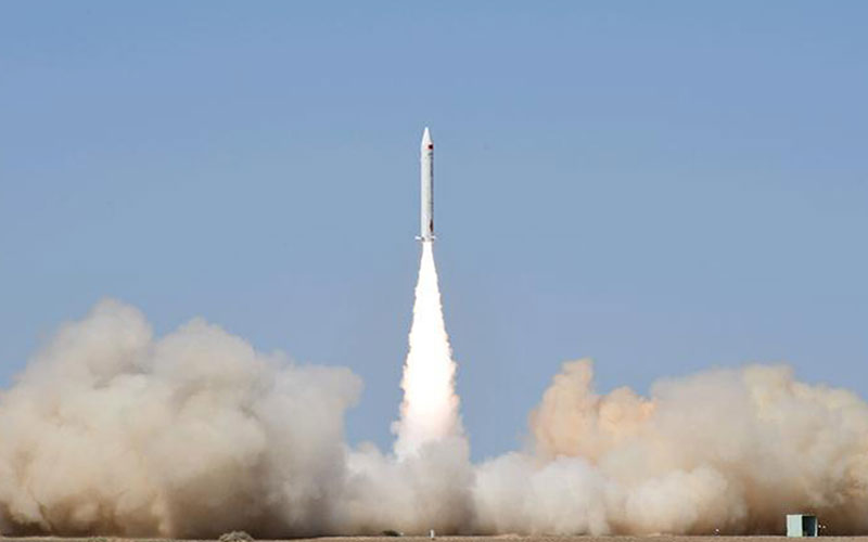 Chinese startup iSpace launch Hyperbola-1Z rocket with three small satellite aboard.