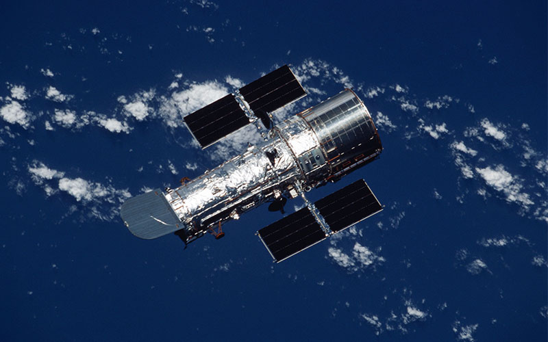 The Hubble Space Telescope has entered into a safe mode following the failure of a gyro.