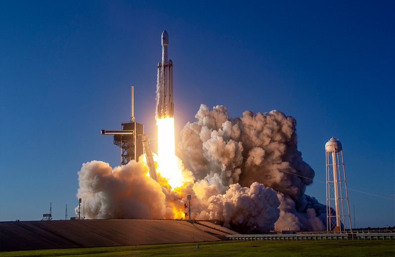 SpaceX Falcon Heavy Arabsat-6A Gallery - Image 3.