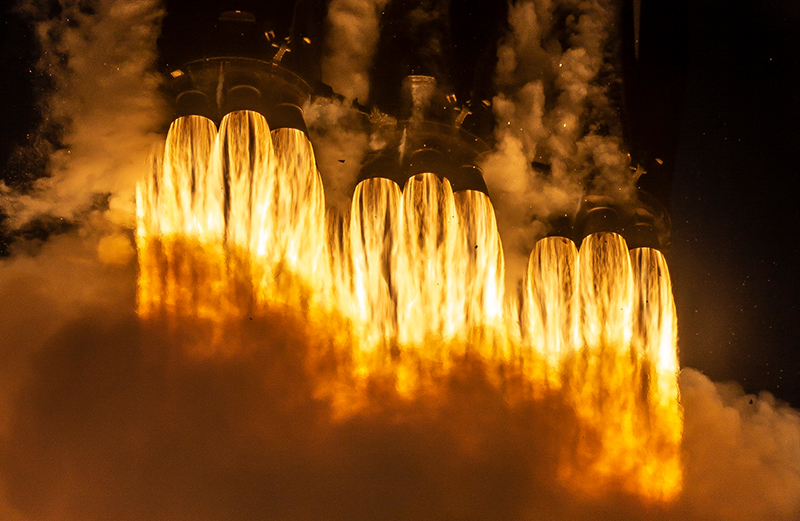 SpaceX Falcon Heavy Arabsat-6A Gallery - Image 4.