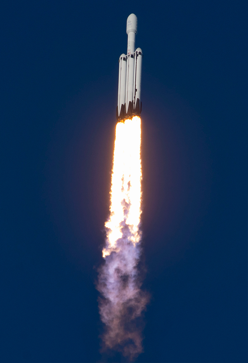 SpaceX Falcon Heavy Arabsat-6A Gallery - Image 5.
