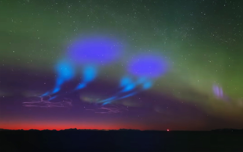 NASA put on spectacular Aurora display with the launch of a pair of Black Brant IX sounding rockets.
