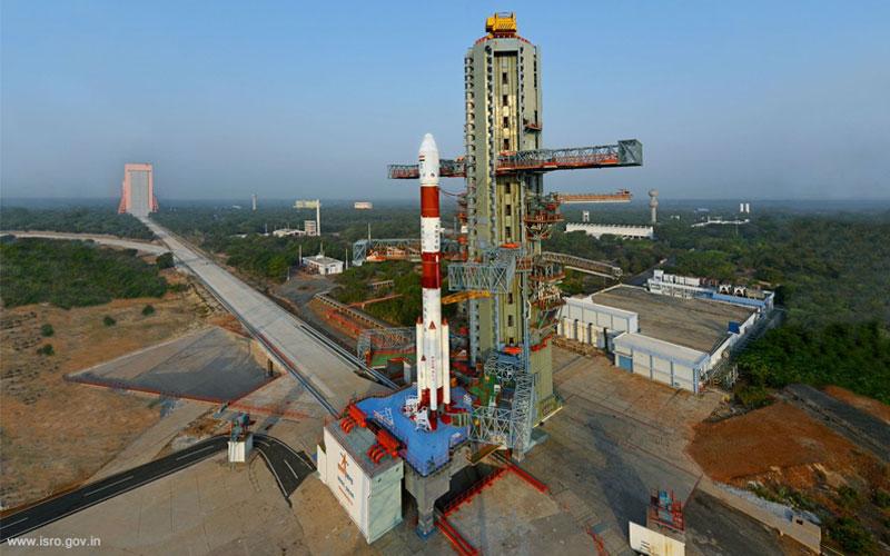 India deployed EMISAT spy satellite and 28 additional payloads for international customers.