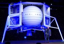 Blue Origin CEO Jeff Bezos unveils the Blue Moon lunar lander.