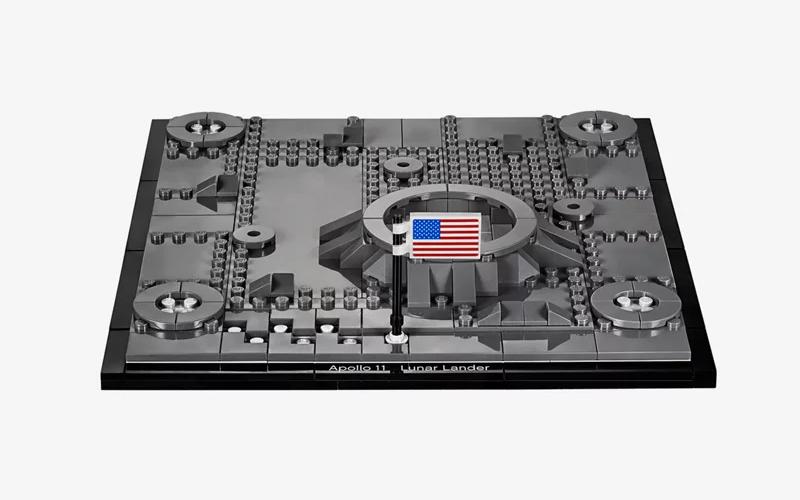 LEGO Creator Expert NASA Apollo 11 Lunar Lander gallery image 3.
