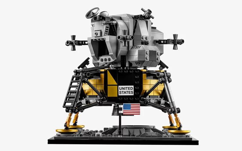 LEGO Creator Expert NASA Apollo 11 Lunar Lander gallery image 6.