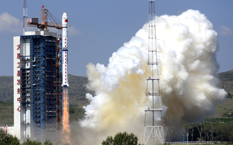 China has lost the Yaogan-33 spy satellite after a Long March 4C third stage failure.