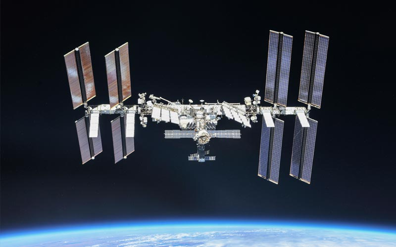 US Senate members introduce a bill to fund ISS through 2030.