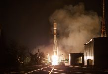 Arianespace launches 34 satellites aboard a Russian-made Soyuz rocket for OneWeb.