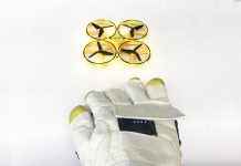 Comex proposes a smart space suit glove capable of controlling rovers on the Moon with gestures.