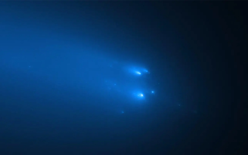 New Hubble Photos Show Comet ATLAS Breaking Apart