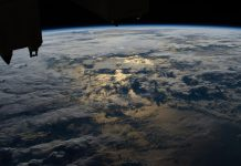 Virgin Galactic sign deal with NASA to facilitate commercial flights to the space station.