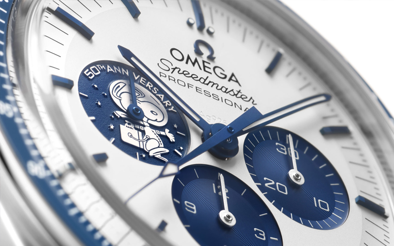 Images of the Omega 50th anniversary Silver Snoopy Award Speedmaster - gallery 4.