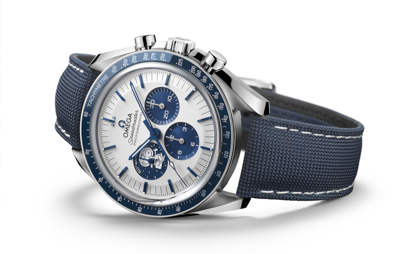Images of the Omega 50th anniversary Silver Snoopy Award Speedmaster - gallery 2.