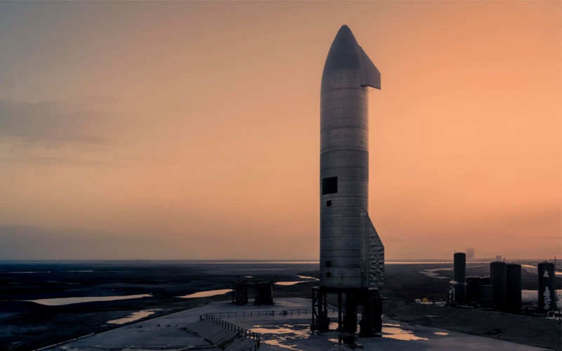 The SpaceX Starship SN10 prototype exploded shortly after successfully a completed a 10-kilometer hop test.